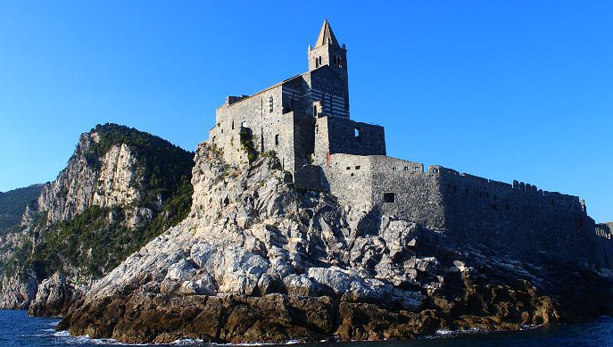 Cestování na hranicích Ligurie a Toskánska