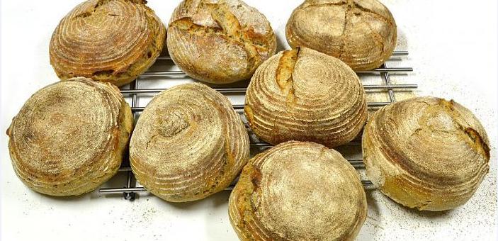 Pečení kváskového chleba – Lubomir Kobeda