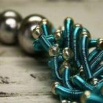 Extravagance s pružinkovým šperkem – Pavlína Pecko
